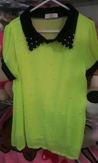 🚚 螢光黃綠色珍珠上衣