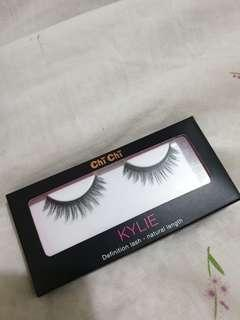 Kylie false lashes