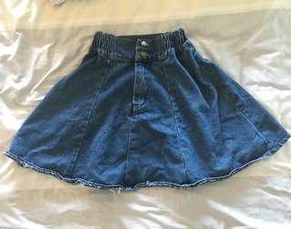 🚚 牛仔短裙  《兩側有鬆緊帶設計》