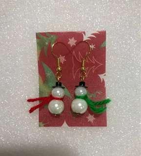 Swinging Snowmen earrings (B)