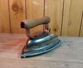 🚚 老電熨斗—古物舊貨、早期生活道具收藏
