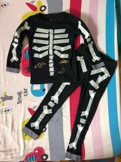 🚚 Halloween skeleton pajama suit
