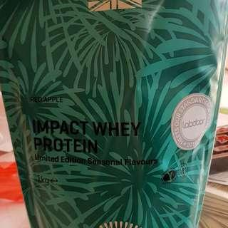 Impact Whey Protein Limited Edition Red Apple