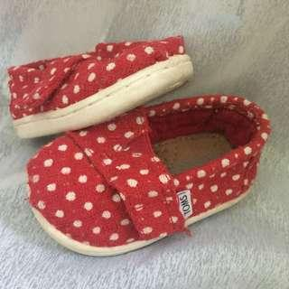 💯 authentic TOMS baby shoes
