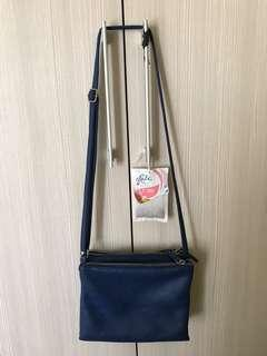 The Little Things She Needs Sling Bag navy Tas selempang