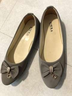 Brand new flats size 38