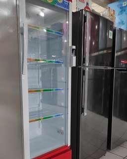 Showcase kulkas bisa di credit