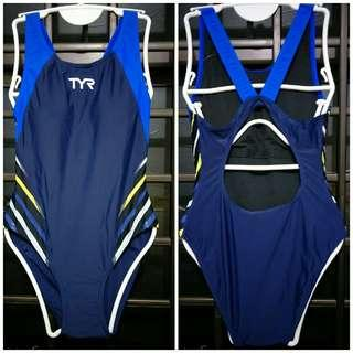 🚚 TYR Swimsuit L