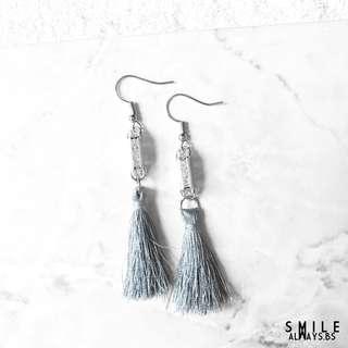 Diamonde Crystal Tessel Earrings in grey