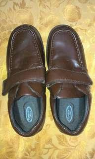 Men's moccasin type shoes