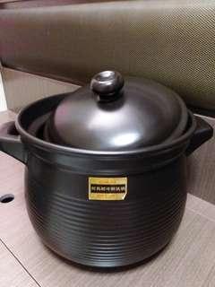 耐熱耐冷耐燒鍋(薑醋煲)大size,闊12吋,高22吋。1個$200,有兩個,全要$380