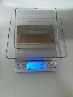 送膠盒1個 銀色 廚房秤 磅 精準 家用 電子磅  不銹鋼 藍色 LCD顯示屏 電子秤 1000g/0.1g 食物秤 珠寶秤 黄金口袋称 克称 重天平小秤 0.1g 高精準度 精密