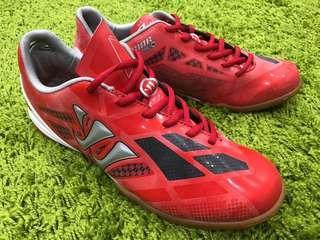 WARRIOR 紅色足球鞋(全新)