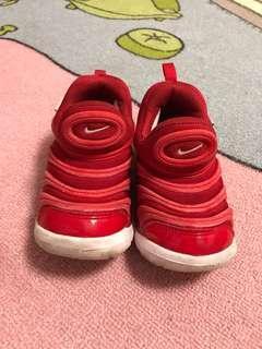 🚚 Nike 毛毛蟲鞋 15cm