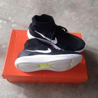 Authentic Nike Lunarepic Flyknit shoes
