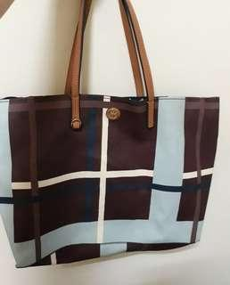 SELLING SUPER LOW TORY BURCH TOTE