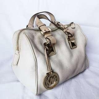 Michael Kors White Hand Bag