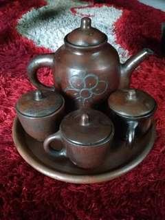 Satu set teko + cangkir tanah liat
