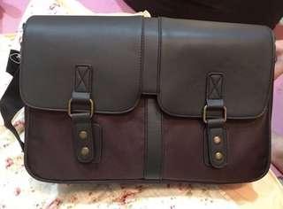 🚚 全新側背包