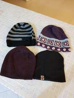 🚚 Beanies and winter caps