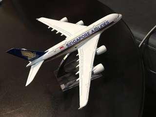 Passenger Plane Model - Singapore Airlines