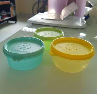 [All new] Tupperware containers and tray plates