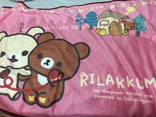 鬆弛熊毛毯是絲滑面料