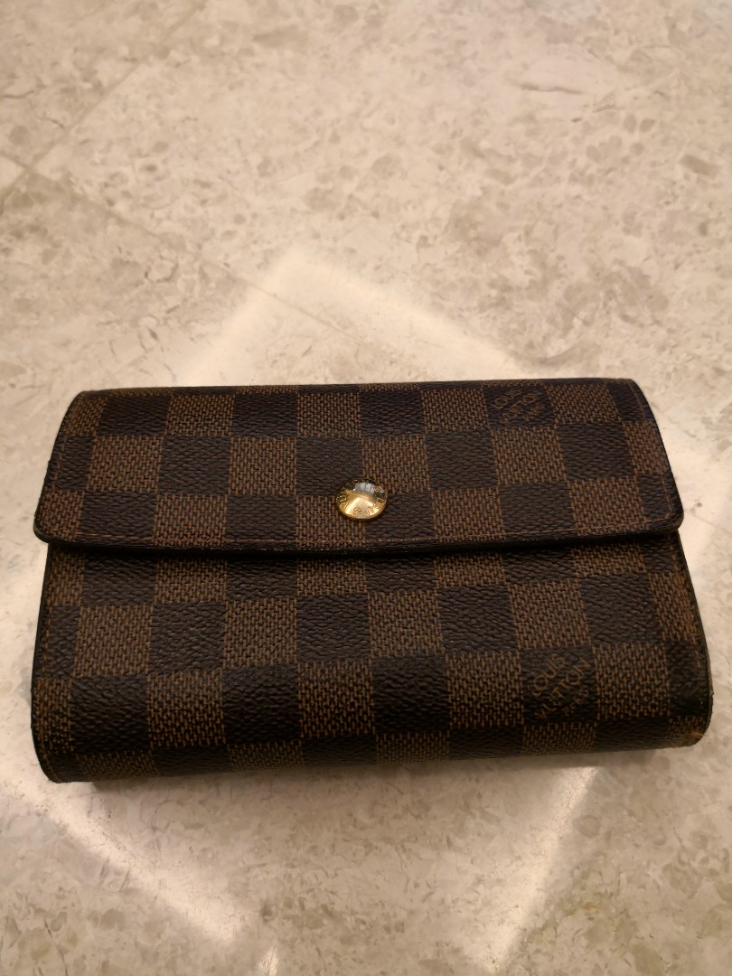 de3a60ff31e31 Authentic Louis Vuitton Wallet