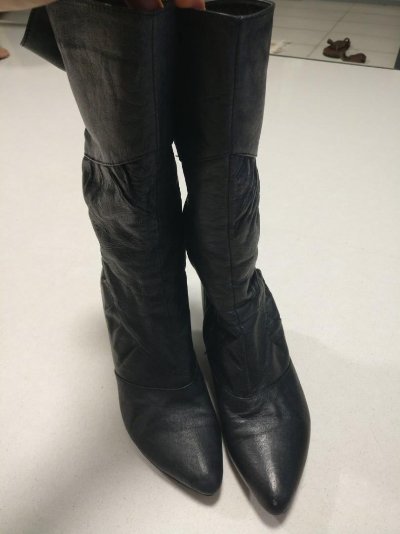 Black leather boots size 5, Women's