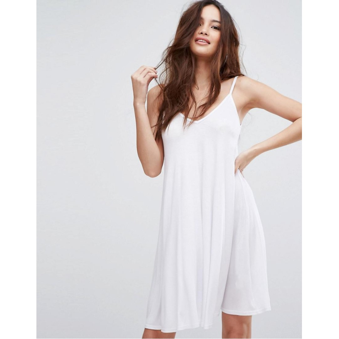 8903d670a8f8a BOOHOO V Neck Swing Dress - White (UK 8), Women's Fashion, Clothes ...