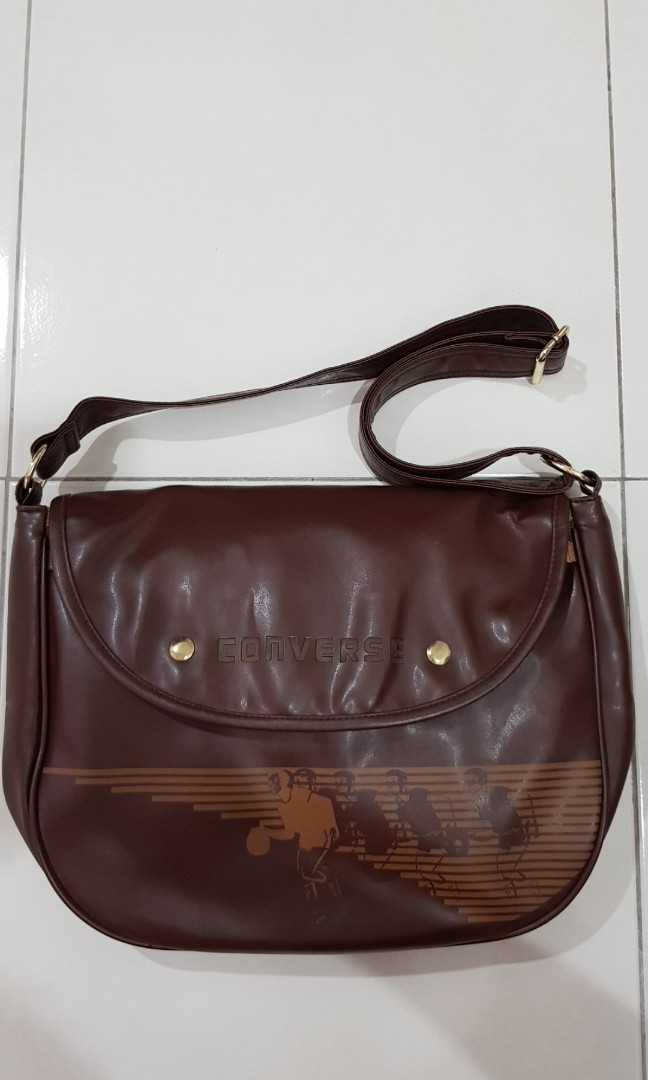 998f7998f1 Converse Vintage Brown Sling Bag, Men's Fashion, Bags & Wallets, Sling Bags  on Carousell
