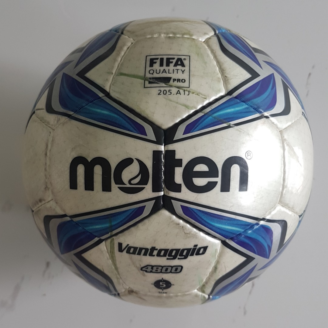 6995414acaa FIFA Quality Pro Molten Size 5 Soccer Ball