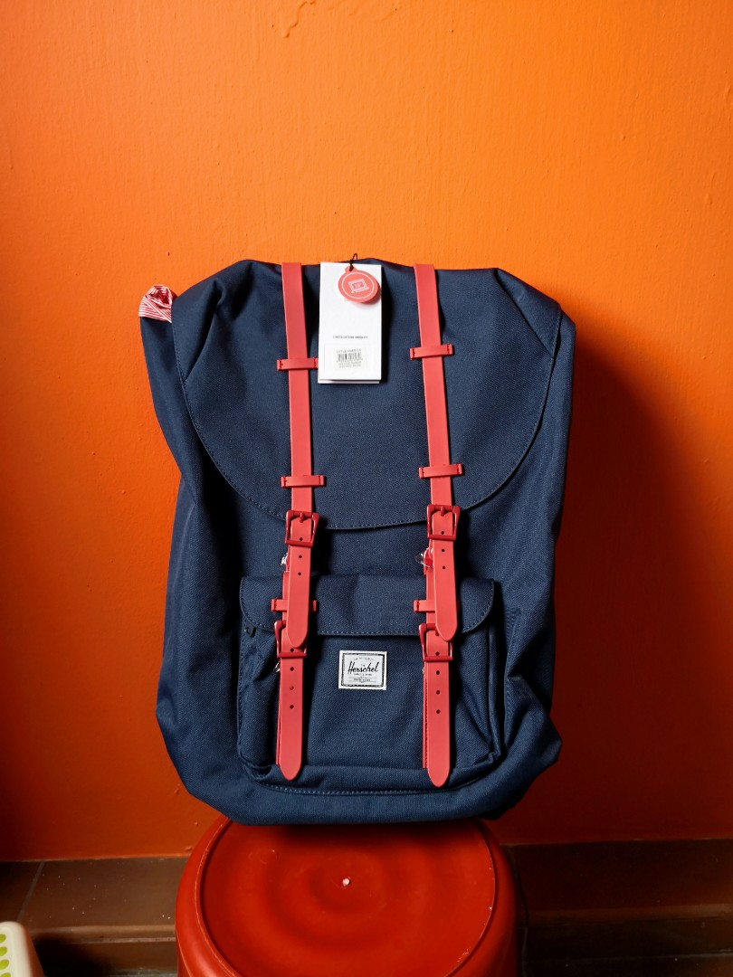 c03103b5ea7 Herschel Little America Backpack 25L