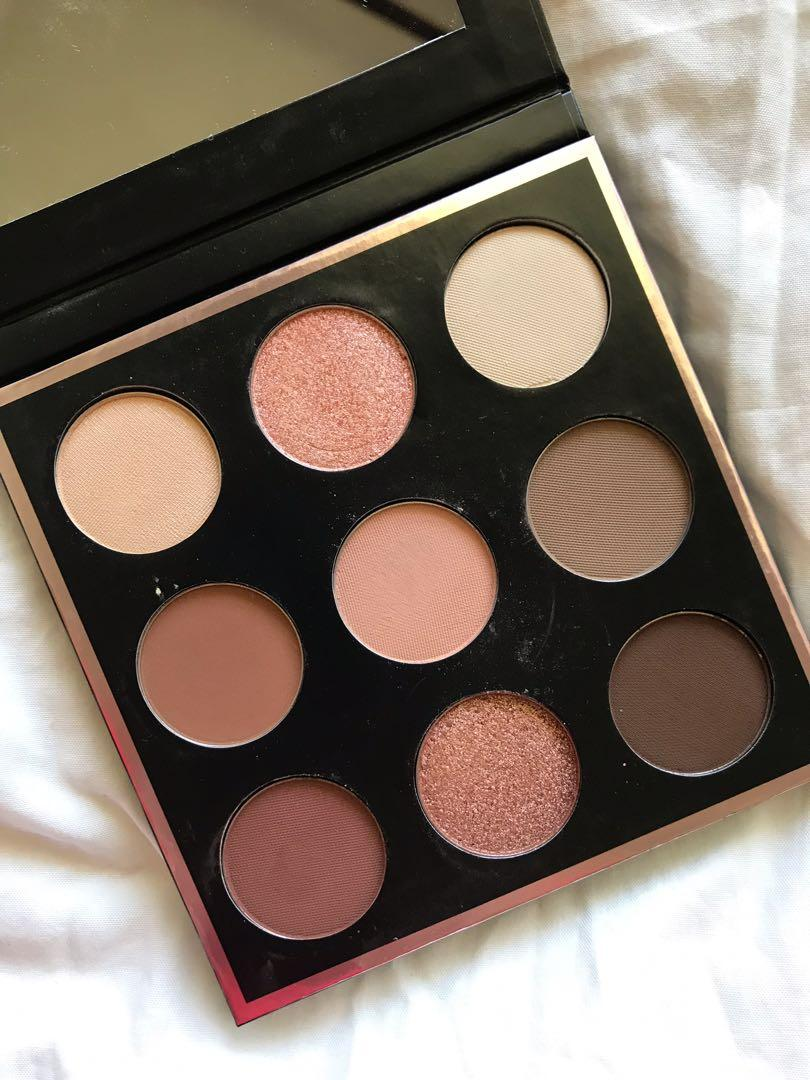Make Up Geek - in the nude palette