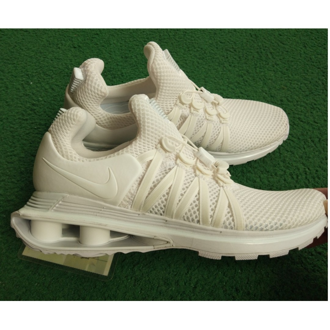 Nike Shox Gravity triple white colorway 100% Authentic 2d38384e5