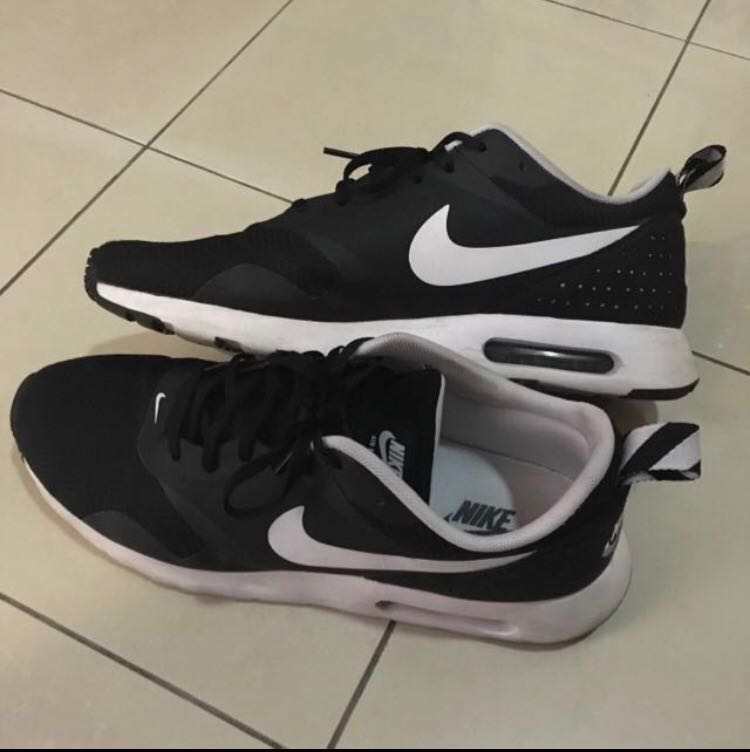 huge discount 7e8b4 d6586 PRICE REDUCED  Nike Air Max Tavas , Men s Fashion, Footwear ...