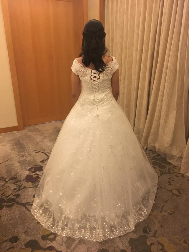 7d37fd6e4e6c3a Wedding Dress   Gown White