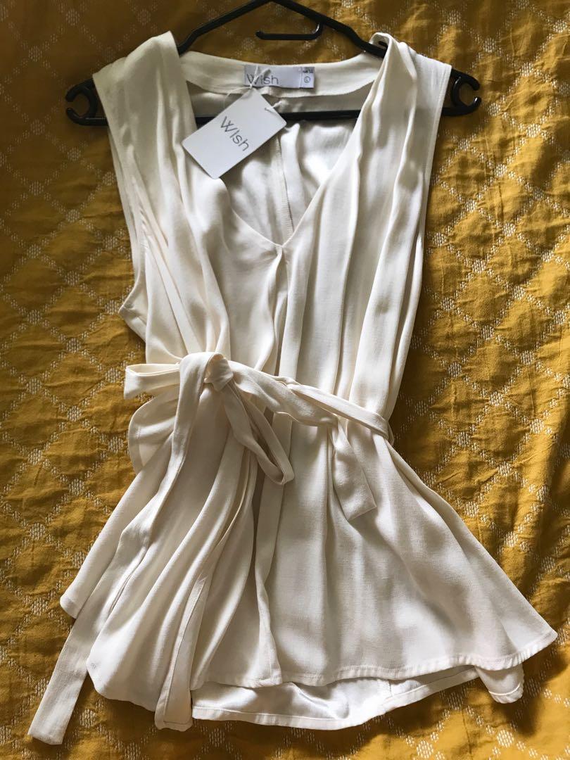Wish Zehra White Wrap belt top size 14