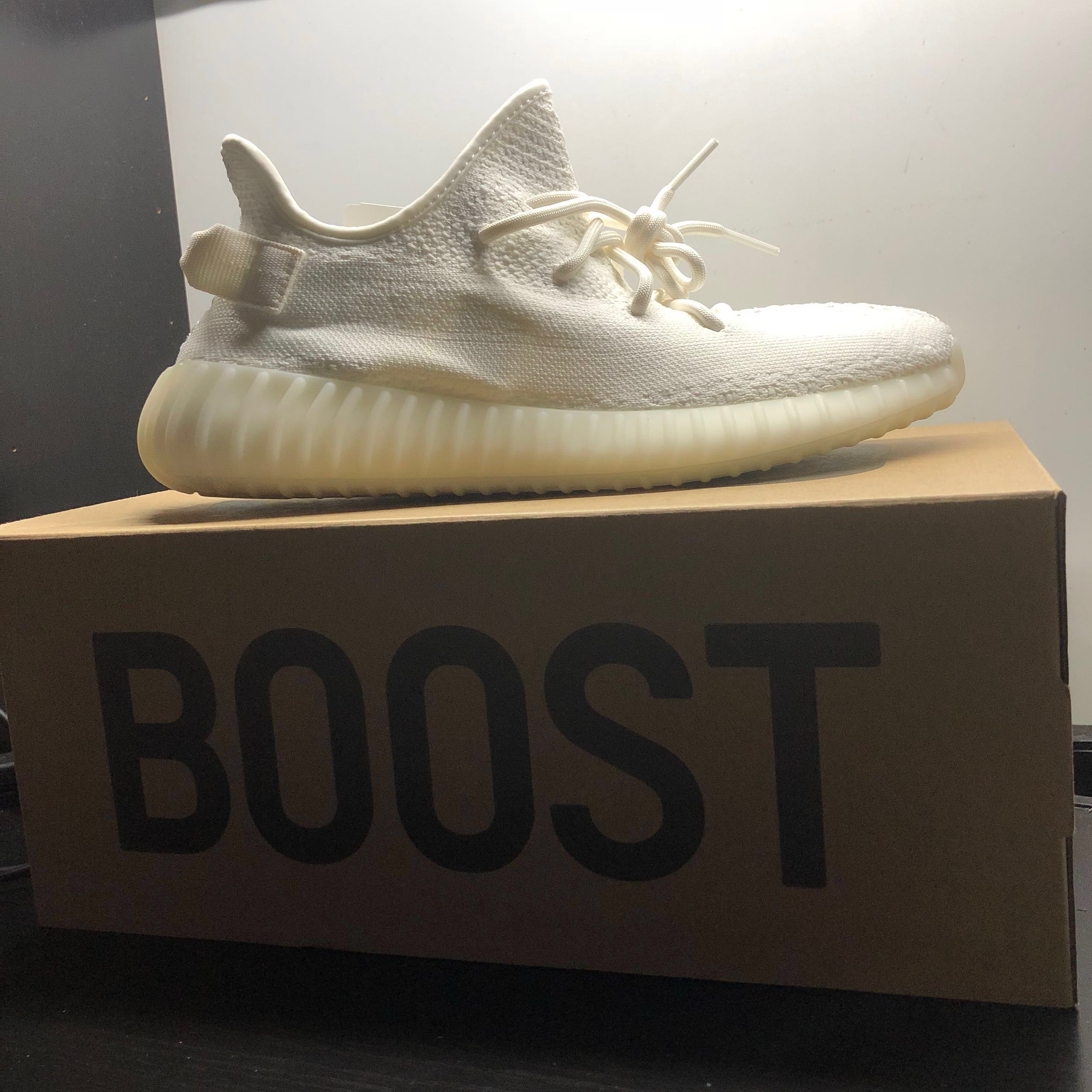 1181429a1 Yeezy boost 350 v2 cream white