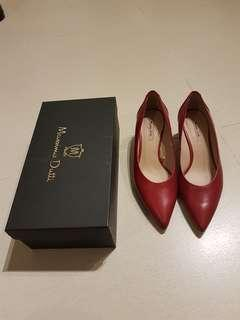 Massimo Dutti Red Leather shoe size 38 Like New