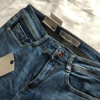Zara Medium Blue Skinny Jeans (Size 4, fits like 2)
