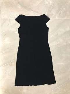 九寸側叉見腿🦵🏻黑色薄貼身連身裙 9 inches side cut show leg 🦵🏻 thin & tight fitting black one piece dress