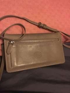 Roots cream colour small cross body purse