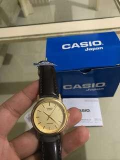 Brand new casio unisex analog watch