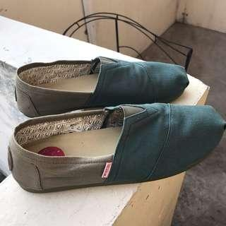 Wakai in Green Very Comfy Shoes size 44 / 45
