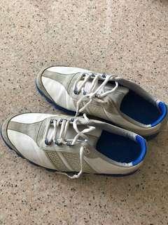 Junior Golf Shoes size 6M
