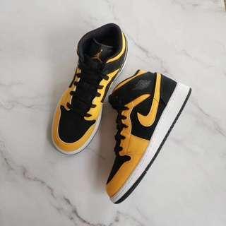 Nike Air Jordan 1黄黑 35.5-37.5