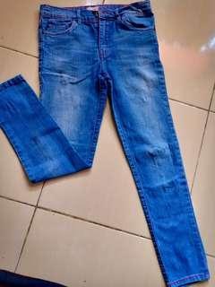 Aero Jeans size 9-10 (P. 82/LP.66)