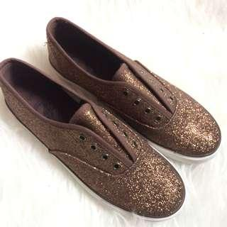 Glitter gold champagne shoe