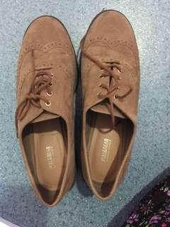 Pull & bear brown shoes